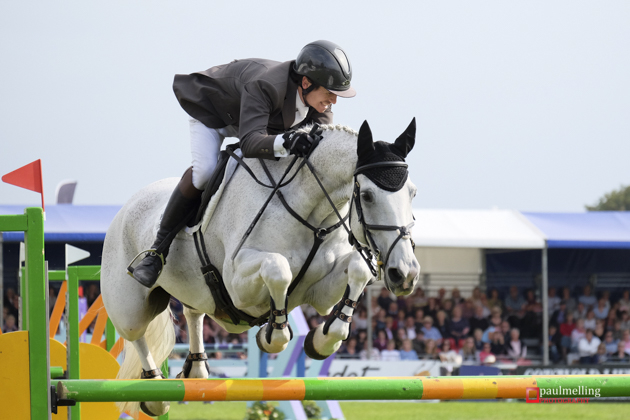 Francis Whittington goes clear to win at Blenheim
